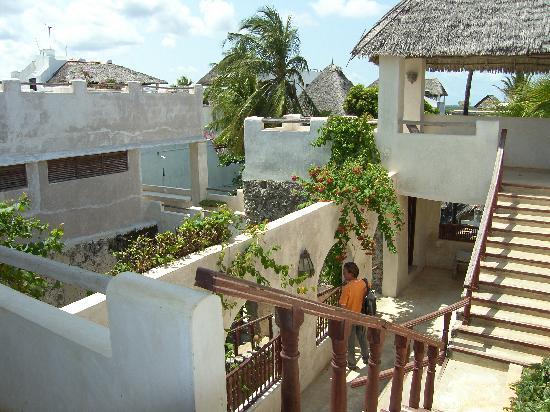 Baitil Aman Guest House : courtyard baitil aman