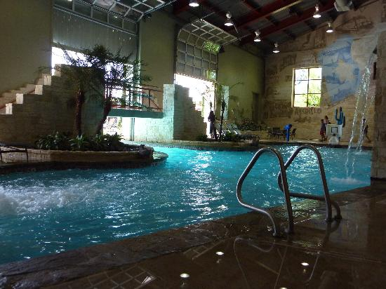 Studio room picture of hyatt wild oak ranch san antonio for Pool show san antonio