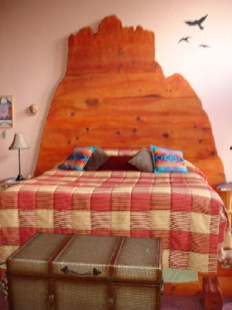 Sedona Dream Maker Bed & Breakfast: The incredible TUCTU Bed in the TUCTU room