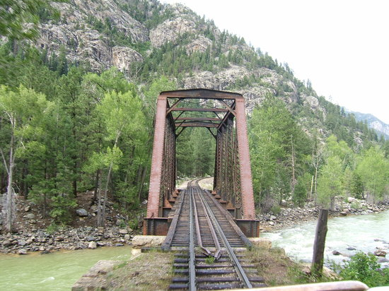 Durango and Silverton Narrow Gauge Railroad and Museum: Abandoned bridge