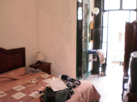 Mexico City Hostel: Our first room