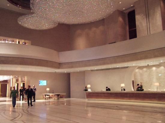 โรงแรมฮาร์เบอร์ แกรนด์ ฮ่องกง: The reception area