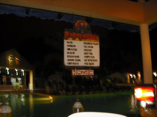 Occidental Caribbean Village Playa Dorada: Pool bar
