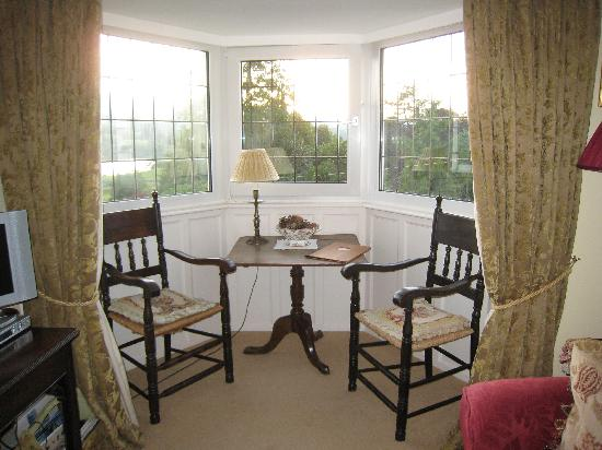 Beechmount Country House: Esthwaite Suite lounge