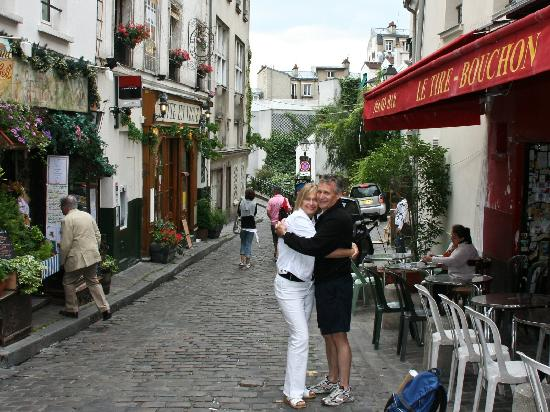 Rick Steves Paris [Rick Steves, Steve Smith, Gene Openshaw] on kolyaski.ml *FREE* shipping on qualifying offers. Explore every centimeter of Paris, from the top of the Eiffel Tower to the ancient catacombs below the city: with Rick Steves on your side.