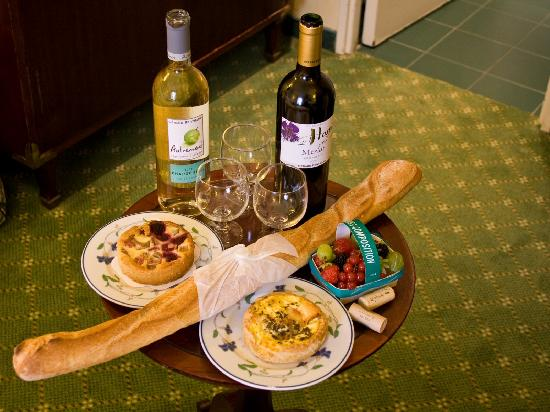 Hotel Relais Bosquet Paris: Our first French dinner ...mmm good.