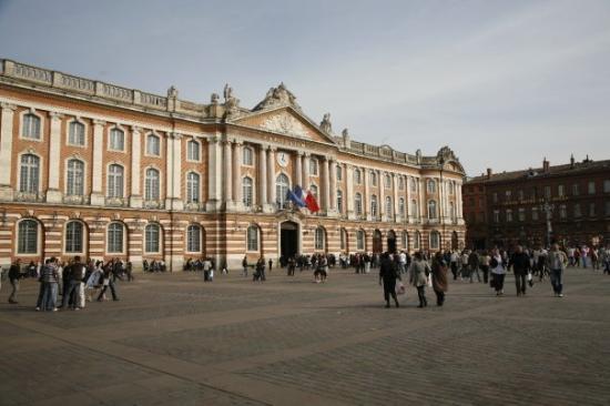Theatre du Capitole: Next day at Place du Capitole.