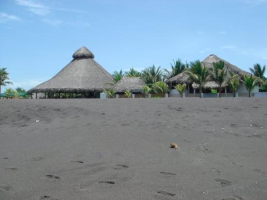 Hotel Restaurante Dulce y Salado: hotel from beach