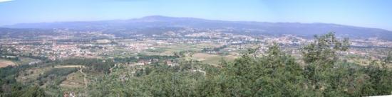 Chaves, Portugal: Vista panoramica lá do alto sobre a cidade