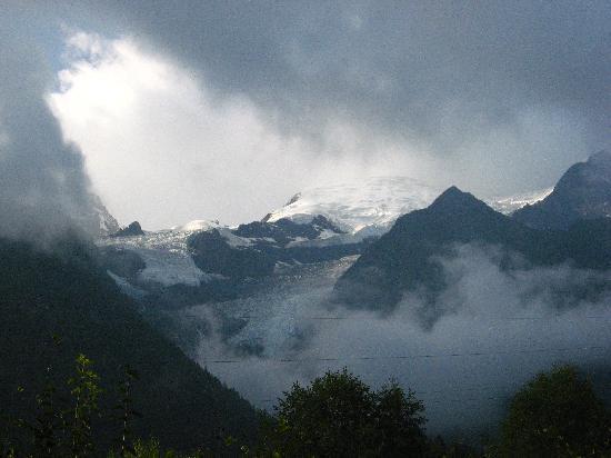 Le Refuge des Aiglons: Climbing near Chamonix