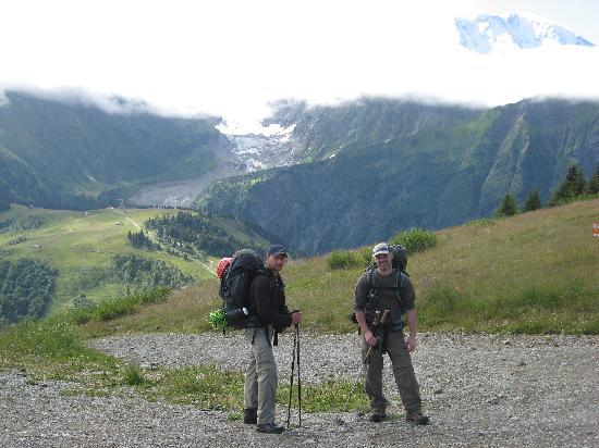 Le Refuge des Aiglons: Hiking the Alps