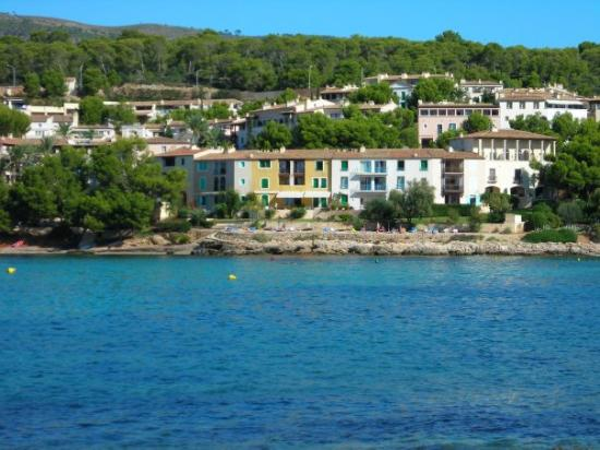 "Illetes, España: Our rental location in Mallorca, at the Anchorage Club in Illetas - our favorite place to ""drop"