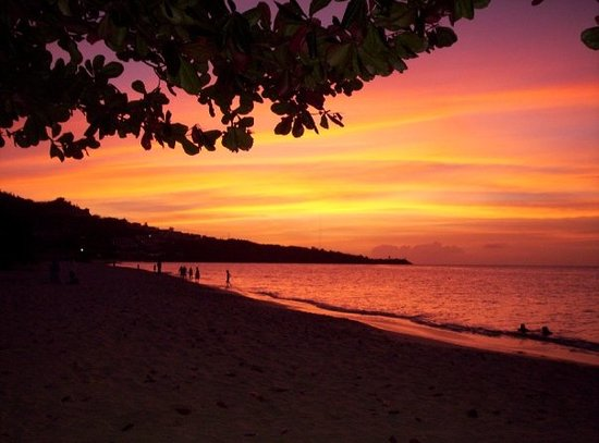 St. George, Grenada: Beautiful sunset on Grand Arnse beach