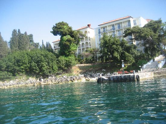 Island Hotel Katarina: Vista del Hotel desde el barquito