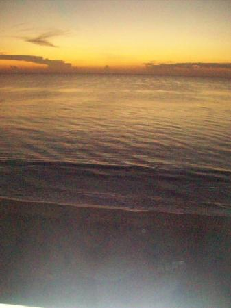 Courtyard Hutchinson Island Oceanside/Jensen Beach: Sunrise over the Atlantic from 7th floor