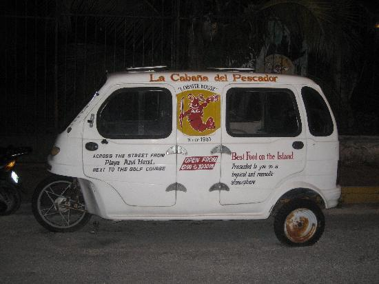 Fernando Jr´s Lobster House: The Lobster House Restaurant bus-great food!