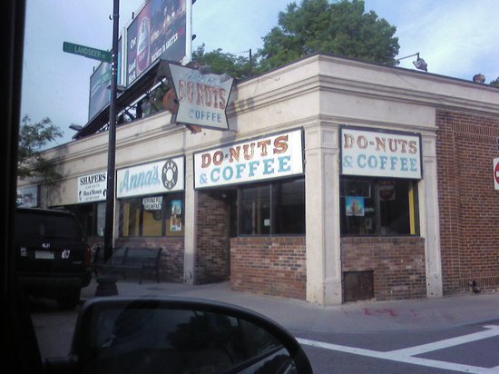 Anna's Hand Cut Donuts: Anna's - don't be fooled by the old sign they're great!