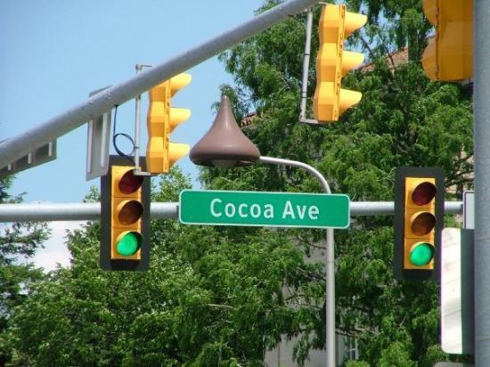 Hershey See The Chocolate Kiss Light