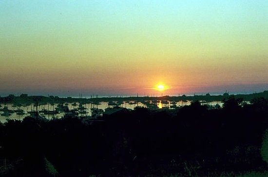 Блок-Айленд, Род Айленд: Block Island ~ Sunset over New Harbor