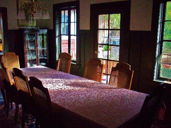 Jughandle Creek Farm and Nature Center : Main dining room - Jughandle Creek farm, Caspar, California