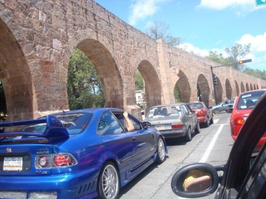 The Aqueduct Bild