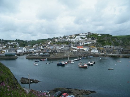 Mevagissey, UK: view of harbour