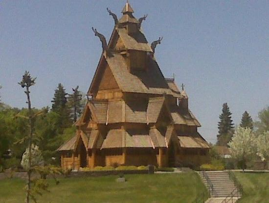 "ไมนอต์, นอร์ทดาโคตา: church at the ""Norwegian Heritage Park"". Sweds represent!"