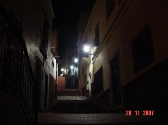 Alley of the Kiss (Callejon del Beso): Callejon del Beso
