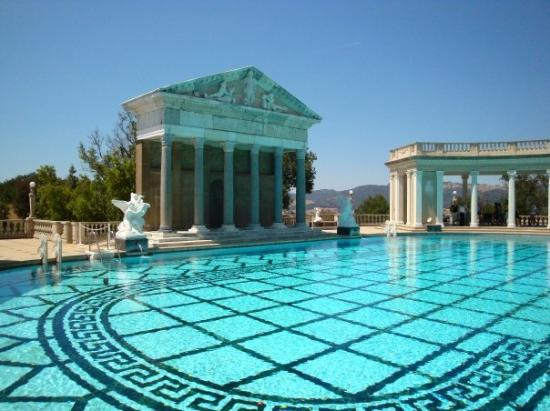 San Simeon, CA: The Neptune Pool.  It's 104 ft long and 53 ft wide.  It ranges from 3.5 - 10 ft deep.