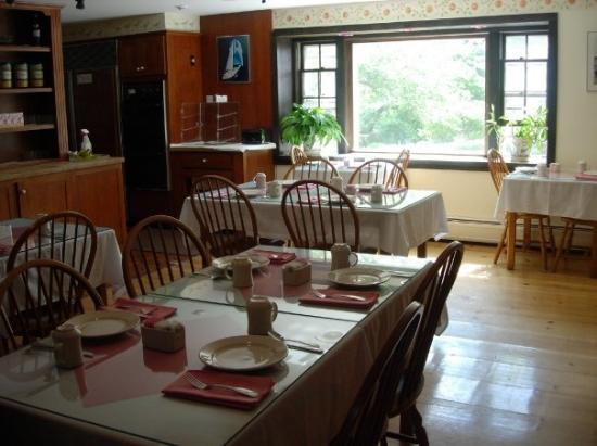 ชัตทัม, แมสซาชูเซตส์: The Dolphin - Breakfast Room Chatham, MA