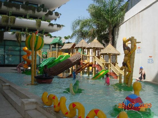 Hotel Deloix Aqua Center: children water play area