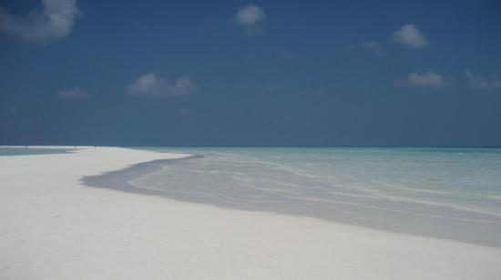 Kuramathi: The Beach