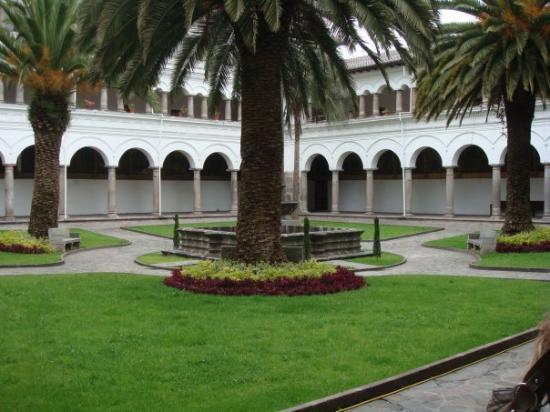 Quito, Ecuador: couvent santo augustín
