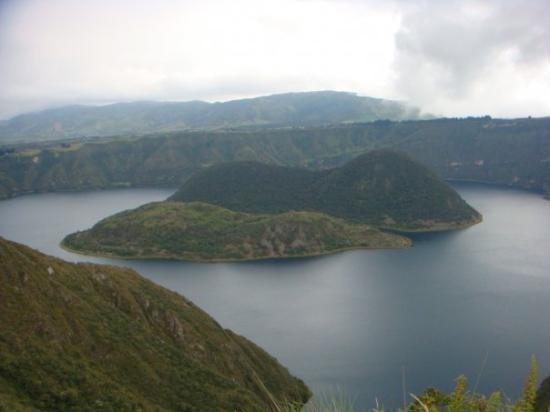 Quito, Ecuador: lagune de quilcocha