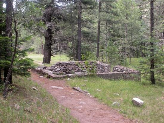 Alto, NM: Just past the first crossing. the trail passes the ruins of some old buildings. This site was ho