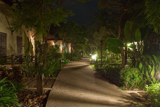 The garden at night picture of ramayana koh chang resort ko chang tripadvisor for A night at the garden