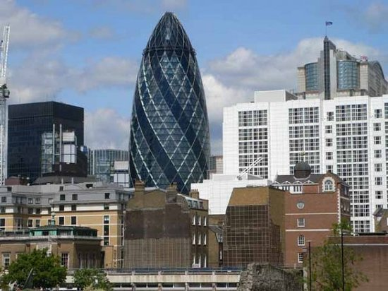 30 St Mary Axe (The Gherkin)
