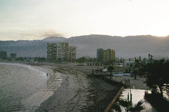 Cavancha Hotel: Strand am Morgen