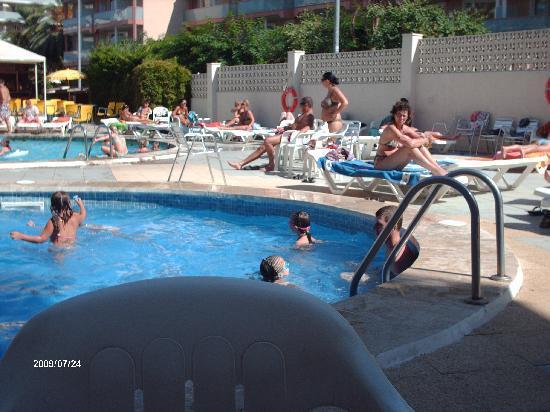 Gran Hotel Don Juan : la piscine pour enfants (0,90 cm de profondeur)