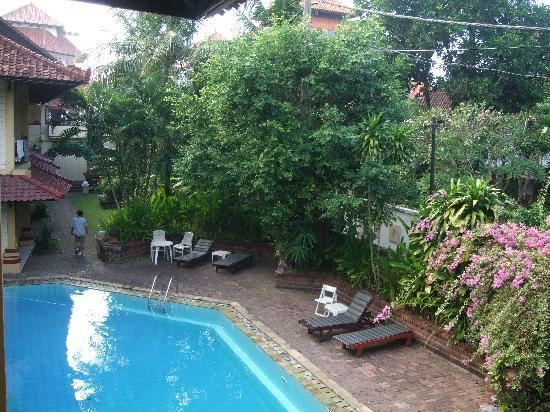 Bali Coconut Hotel: piscine
