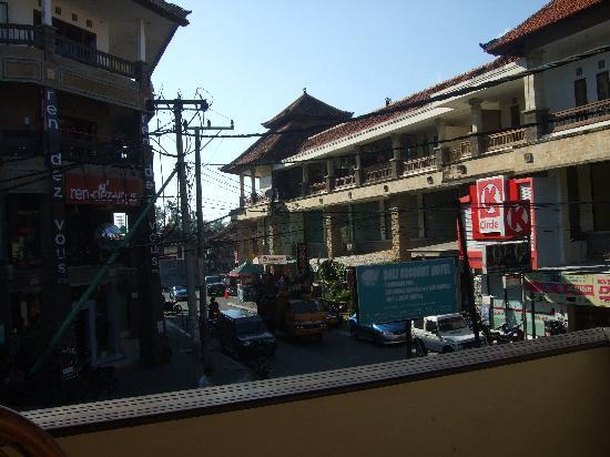 Bali Coconut Hotel: vue restaurant