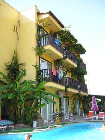Efendi Hotel: Hotel and pool area