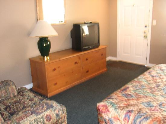 Cascade Lodge: cable TV