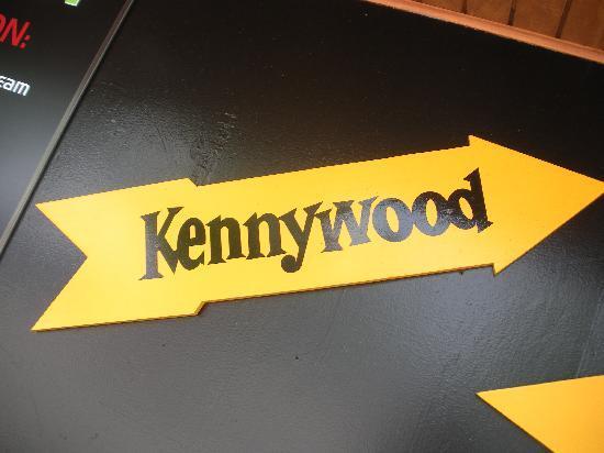Kennywood Park: The Famous Arrow Sign
