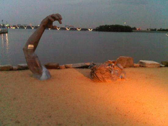 National Harbor Beach Statue Picture
