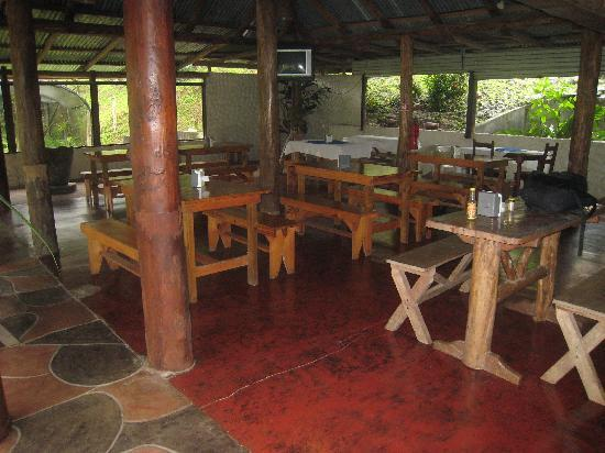 The Stable Arenal (El Establo): The Restaurant