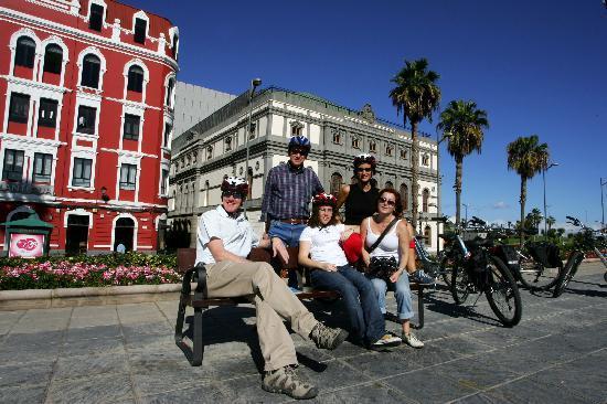 Las Palmas Cultural City Bike Tour: Teatro group