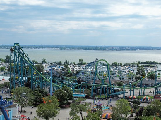 Parco dei divertimenti Cedar Point: View of the park from the ferris wheel