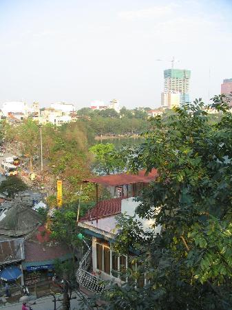 Hanoi Morning Hotel: Balcony view