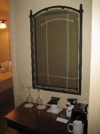 The Thompson Hotel and Conference Centre: Vanity